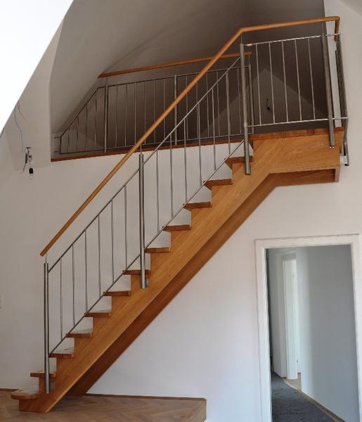 aufgesattelte treppen aufgesattelte treppen selberherr raumausstattung. Black Bedroom Furniture Sets. Home Design Ideas