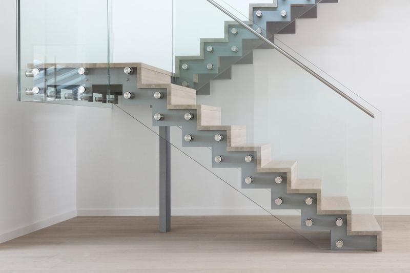 Aufgesattelte Treppen Aufgesattelte Treppen Selberherr